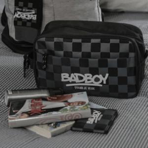 Bad boy – Derrière La Porte